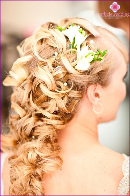 Flowers in a wedding hairstyle