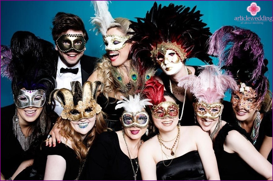 The dress code for the wedding in the style of masquerade