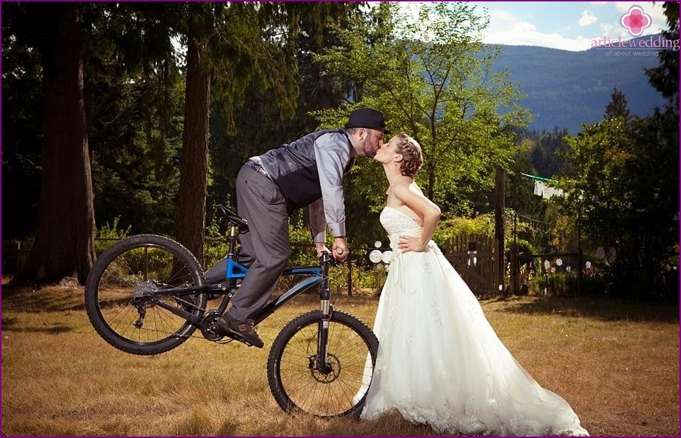 Velokortezh for wedding