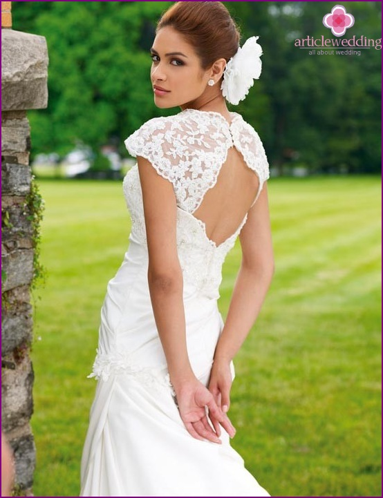 Wedding dress with open back style bolero