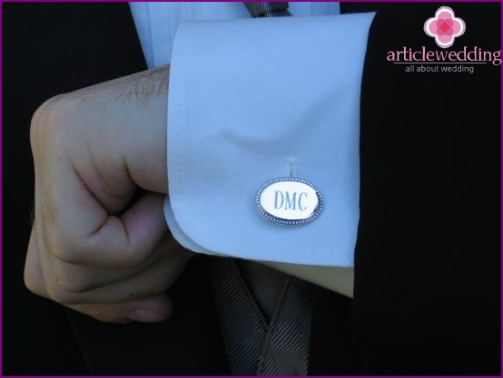 Cufflinks - important accessory of the groom