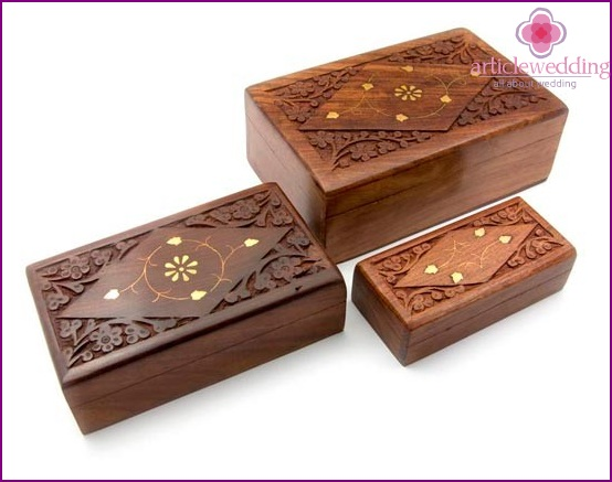 Wooden box for jewelry