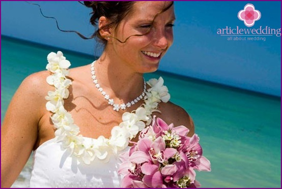 Bride in a Hawaiian style