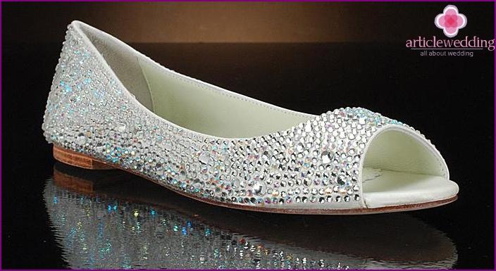 d9b20aba6885 Svadobné topánky bez podpätku - ako si vybrať ten správny foto