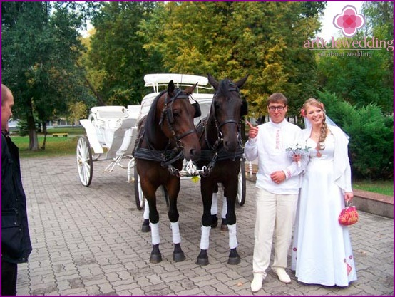 A wedding in the style of traditional carriages