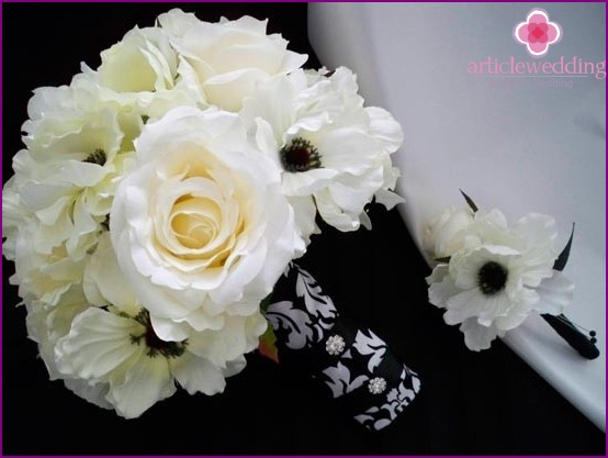 Wedding black and white bouquet