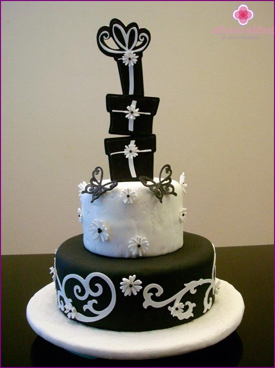 Cake for wedding in black and white