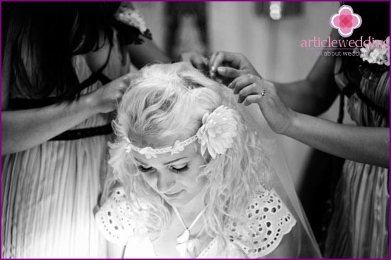 Hairstyle for wedding in hippie style