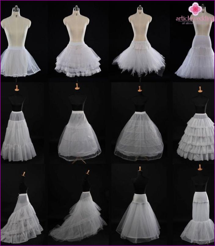 enagua del vestido de novia con los anillos, y sin ellos, con un