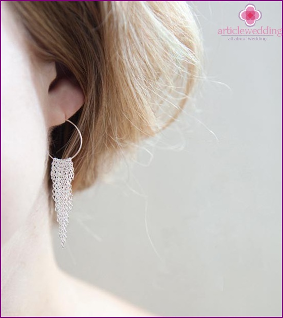 Delicate earrings for the bride