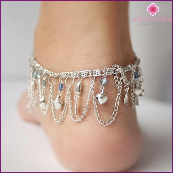 Bracelet on a leg of the chains