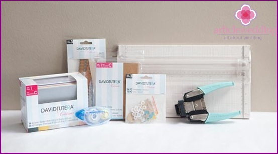 Materials for the manufacture of personal cards for guests