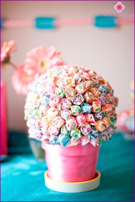 Sweet Topiary a flowerpot