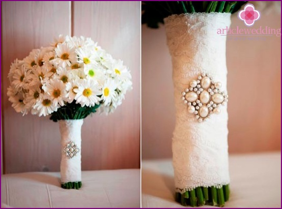 Wedding bouquet with lace