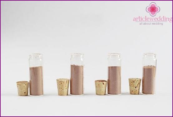 Fill jars of cocoa