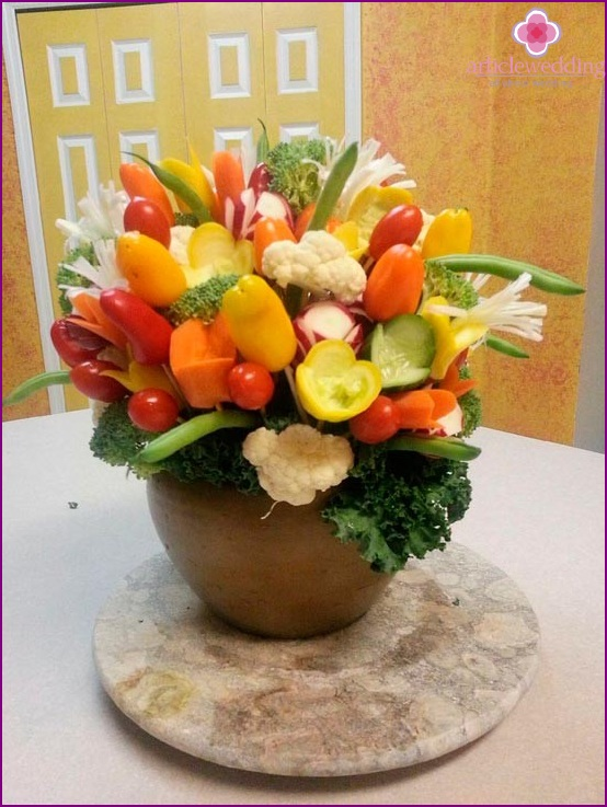 Vegetable bouquet for the banquet table