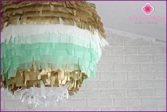 Stylish ornament with fringe