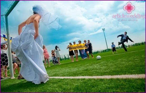 The bride in the role of the goalkeeper