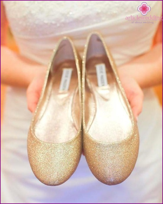 Ballerinas at the wedding pros and cons for Ballet shoes decoration
