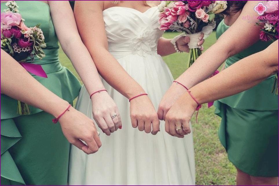 thin bracelets
