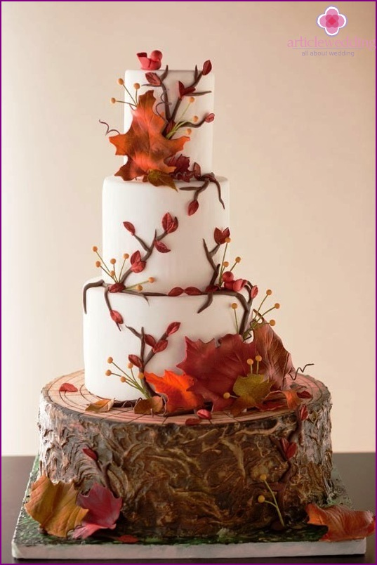 Wedding cake in autumn style