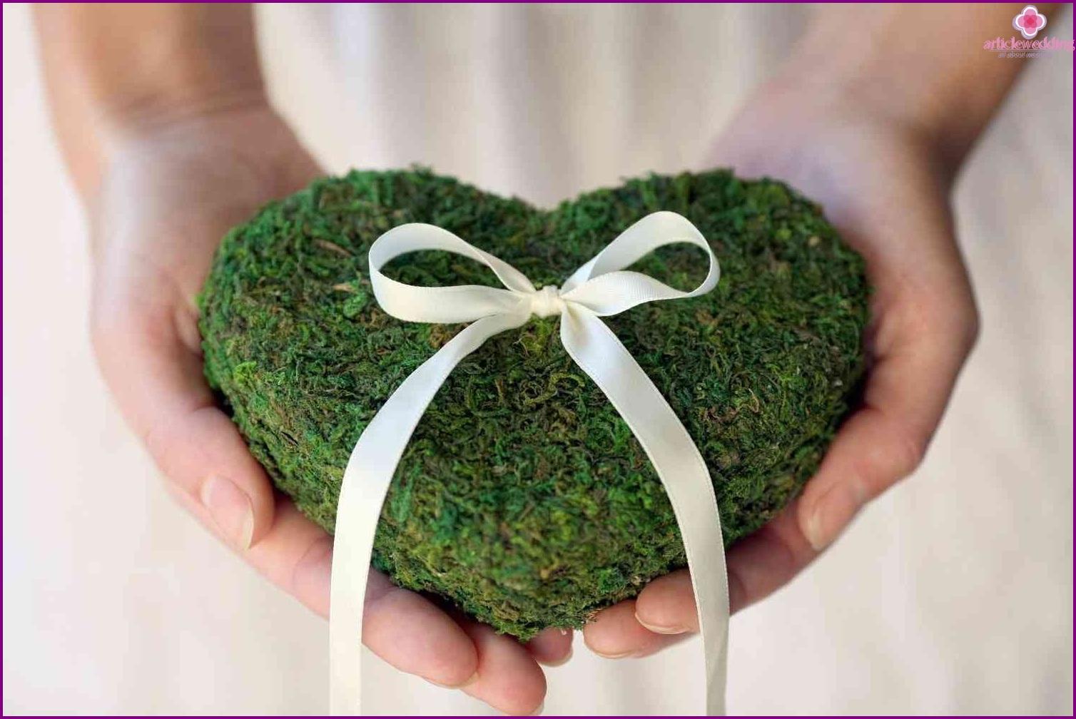 Newlyweds on the eco-wedding