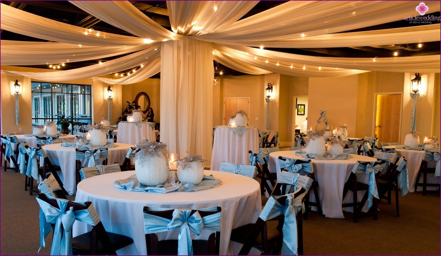 Un mariage dans le style de cendrillon un monde de for Decoration conte de fee