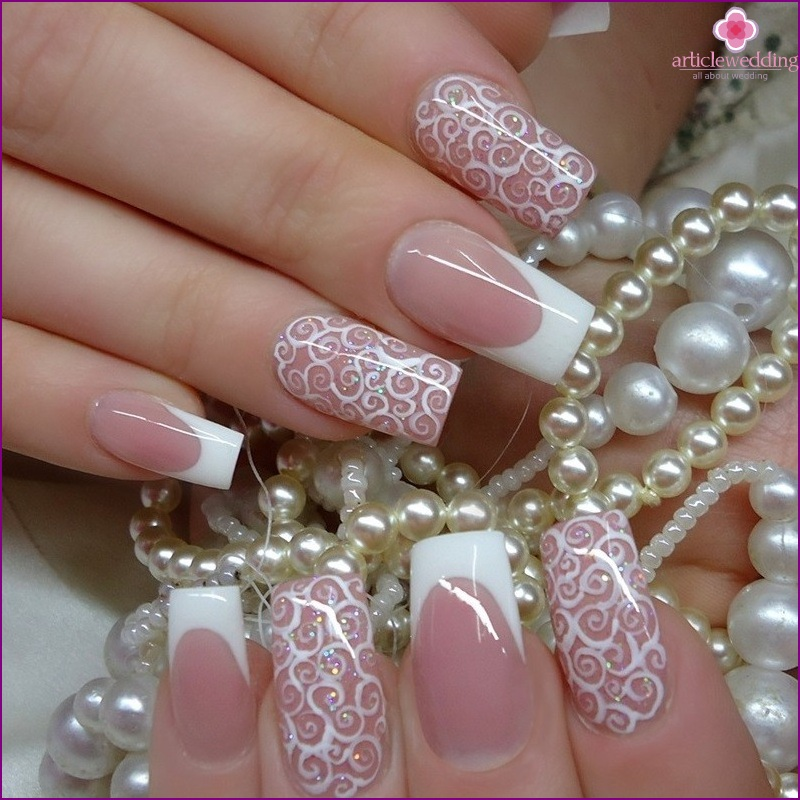 Manicure with imitation lace