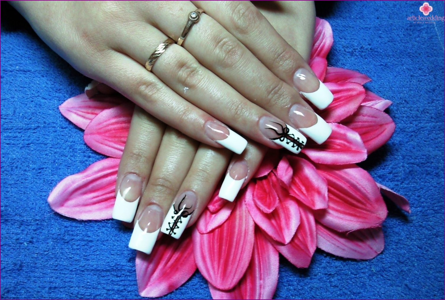 Manicure with lacing