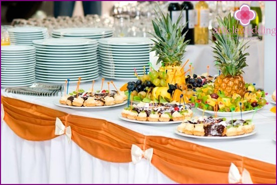 Wedding in the form of buffet