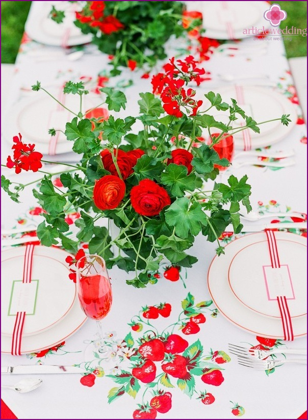 Decor strawberry wedding