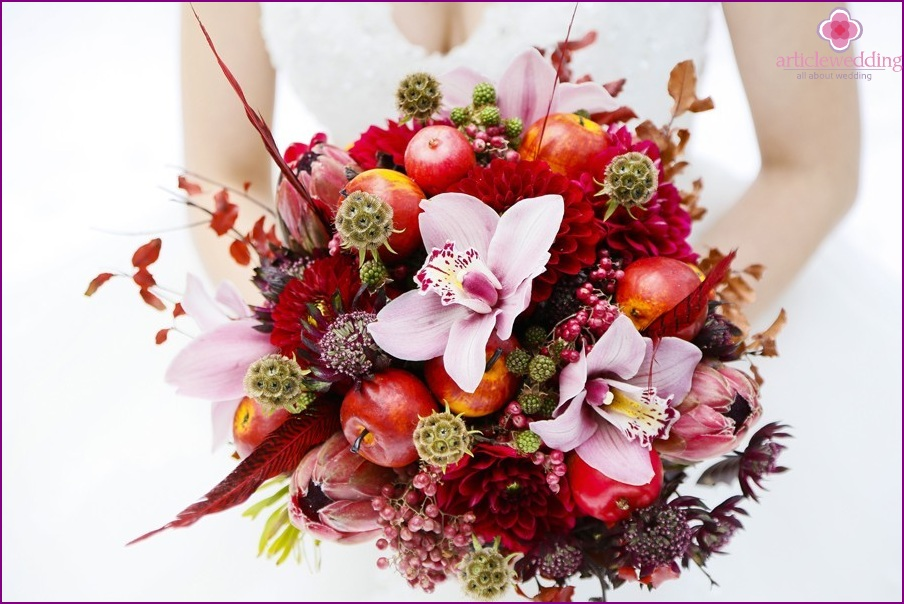 "Bridal bouquet in the style of ""Snow White and the Seven Dwarfs"""