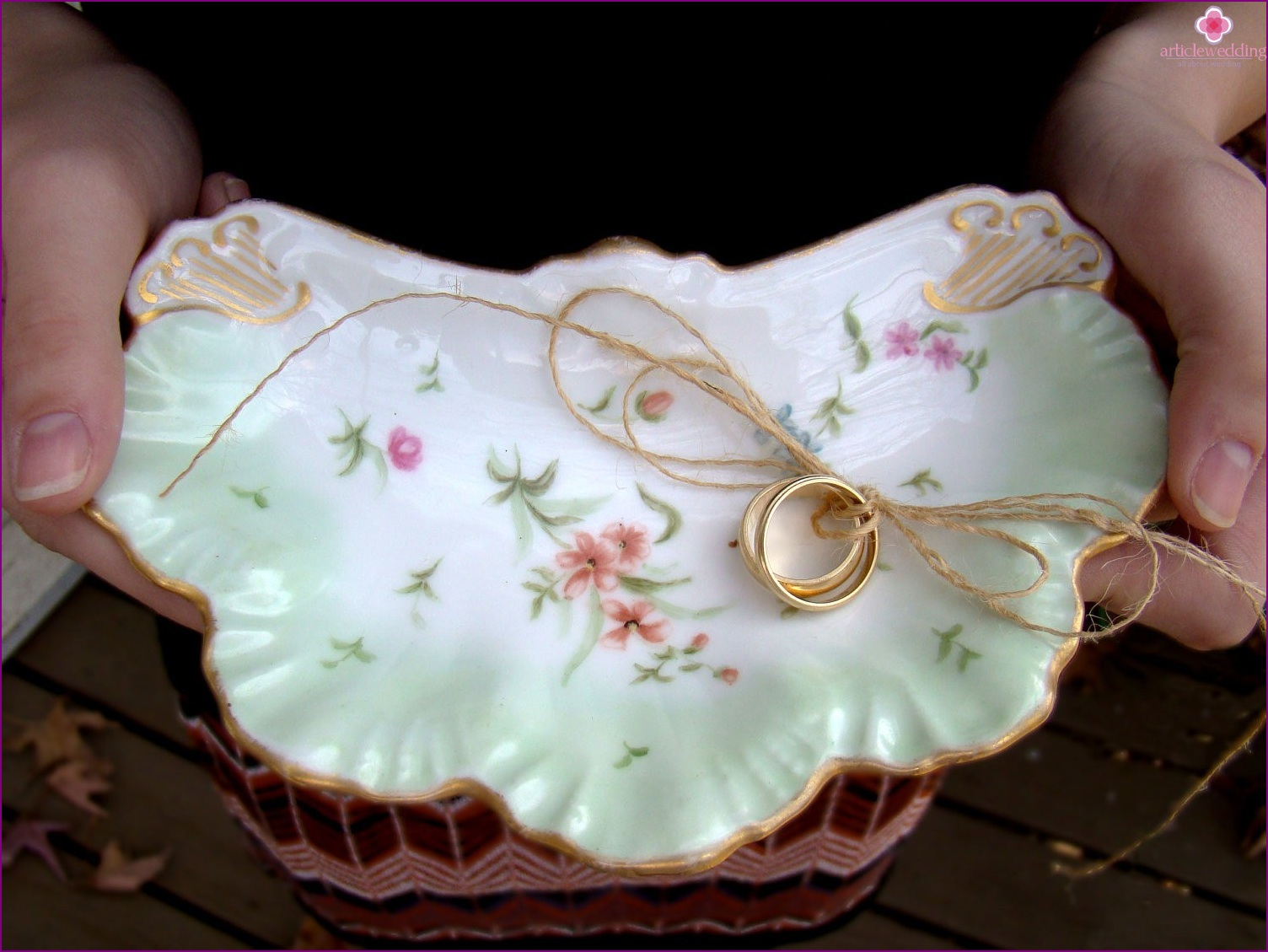 Beautiful a plate for rings