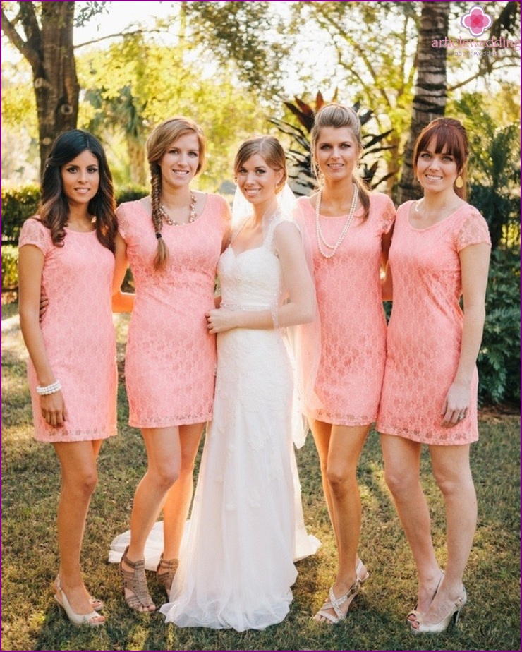 Same dresses for bridesmaids