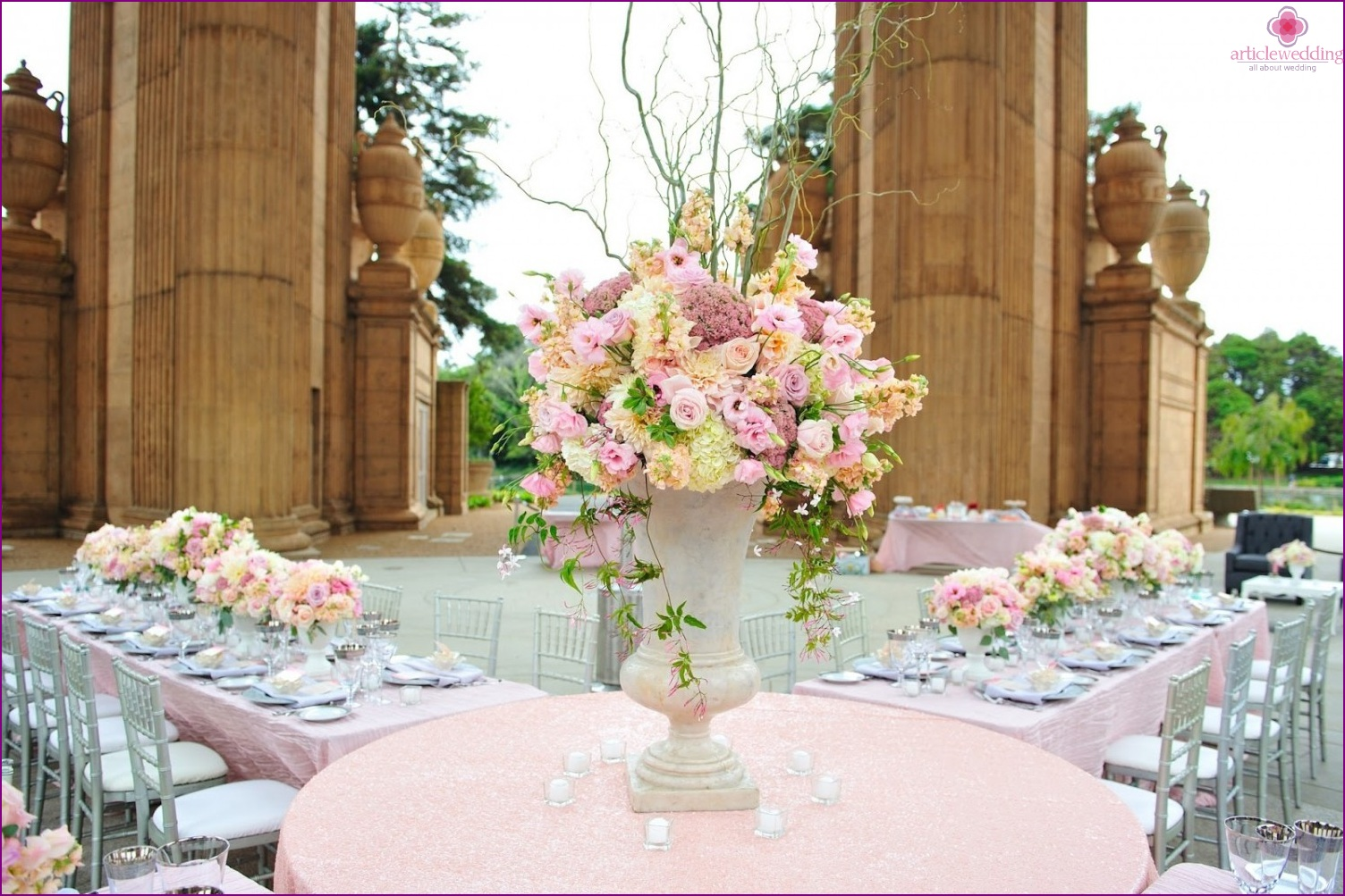 Wedding in pastel colors