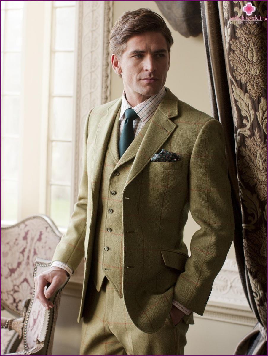 Tweed suit for the groom