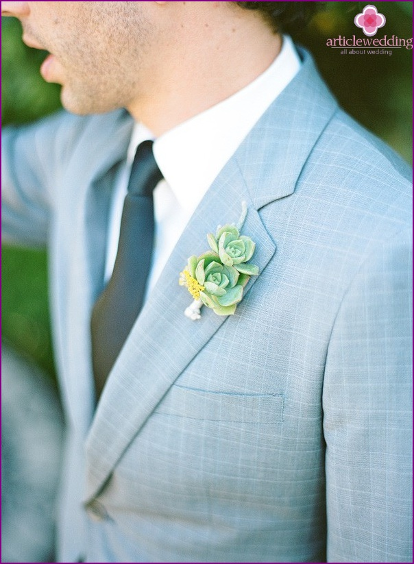 The buttonhole of succulents