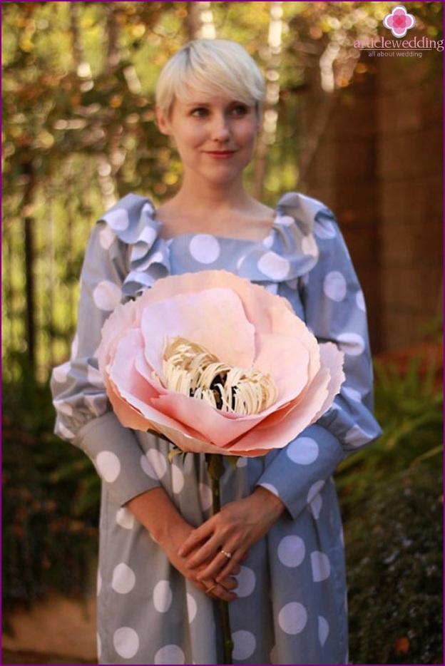 Paper flowers for the bride podrruzhki