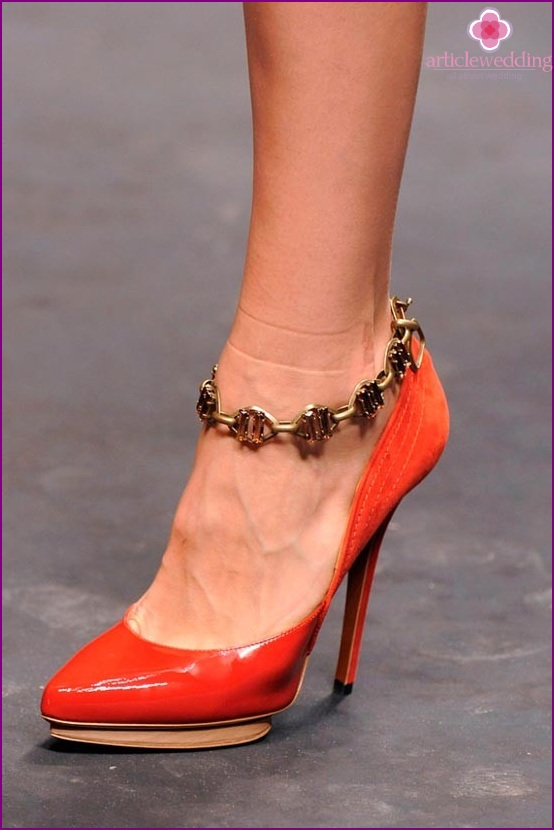 Shoes with bracelet