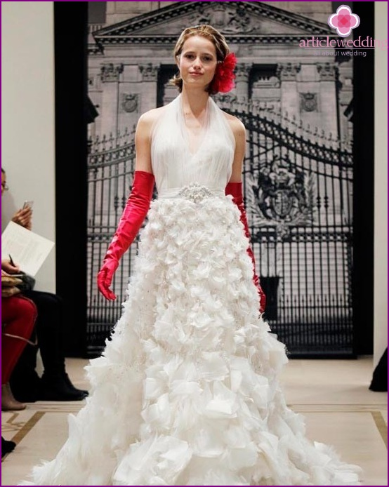 Bride with colorful gloves