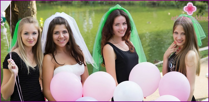 Emerald veil at the bachelorette party