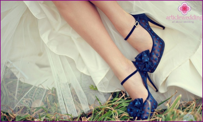 Blue shoes with polka dots