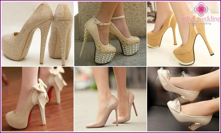 Models wedding shoes ivory color