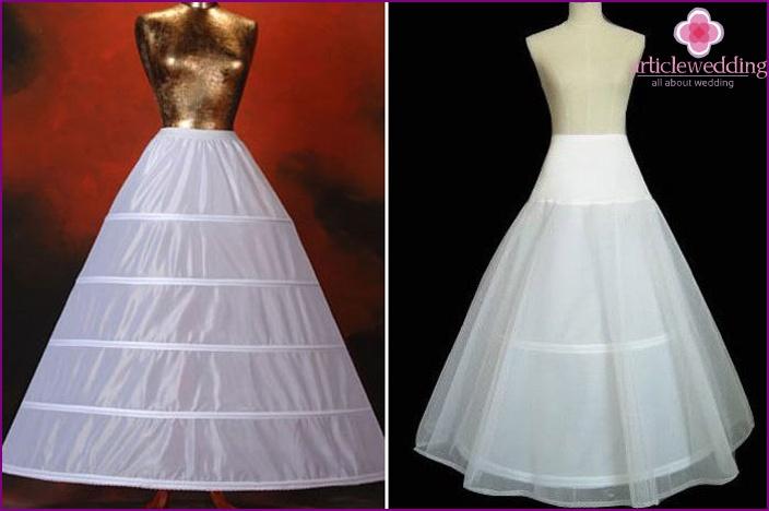 Enagua del vestido de novia con los anillos, y sin ellos, con un ...