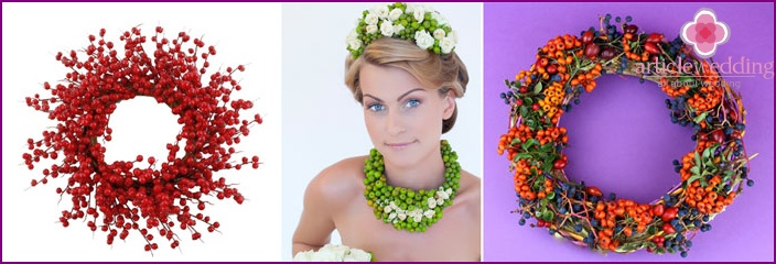The combination of berries and flowers for the bridal wreath