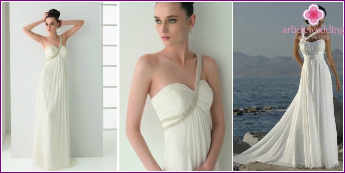 As in ancient Greece: clothes for the bride with straps over one shoulder