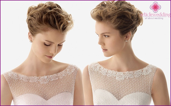 Beautiful styling give the image of the bride's femininity