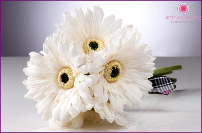 Sun Association bride bouquet with gerberas
