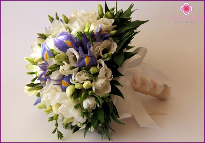Bouquet at a wedding with eustoma