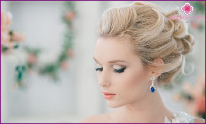 Earrings for wedding hairstyle